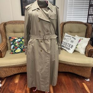 ✨Vintage Burberry Unisex Trench Coat Lined✨